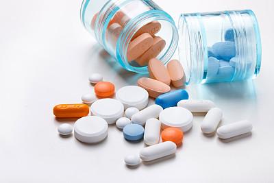 阿莫西林胶囊、乌鸡白凤丸等49药品申请撤销挂网