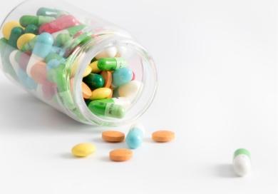最大用药类别启动带量采购 数千亿抗菌药市场重构!